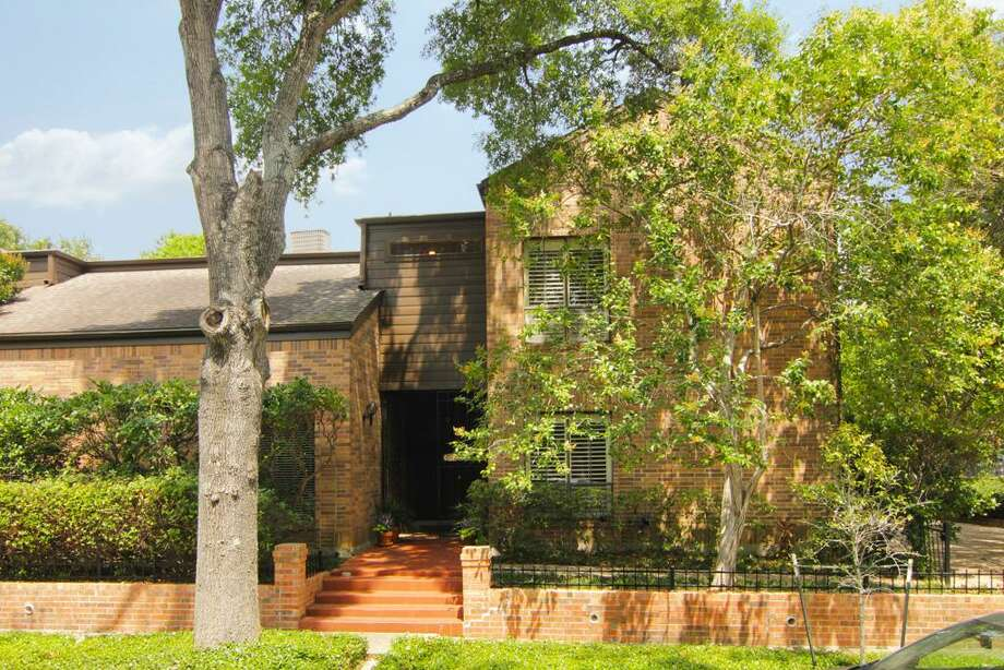 5219 Woodhead | Greenwood King Properties | Agent: Sheila Crocker | 713-302-7765 | Photo: GWK