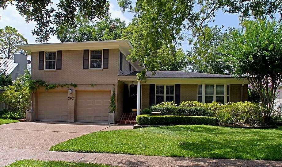 2707 University Boulevard | Greenwood King Properties | Agent: Deborah Crow | 713-524-0888 | Photo: GWK