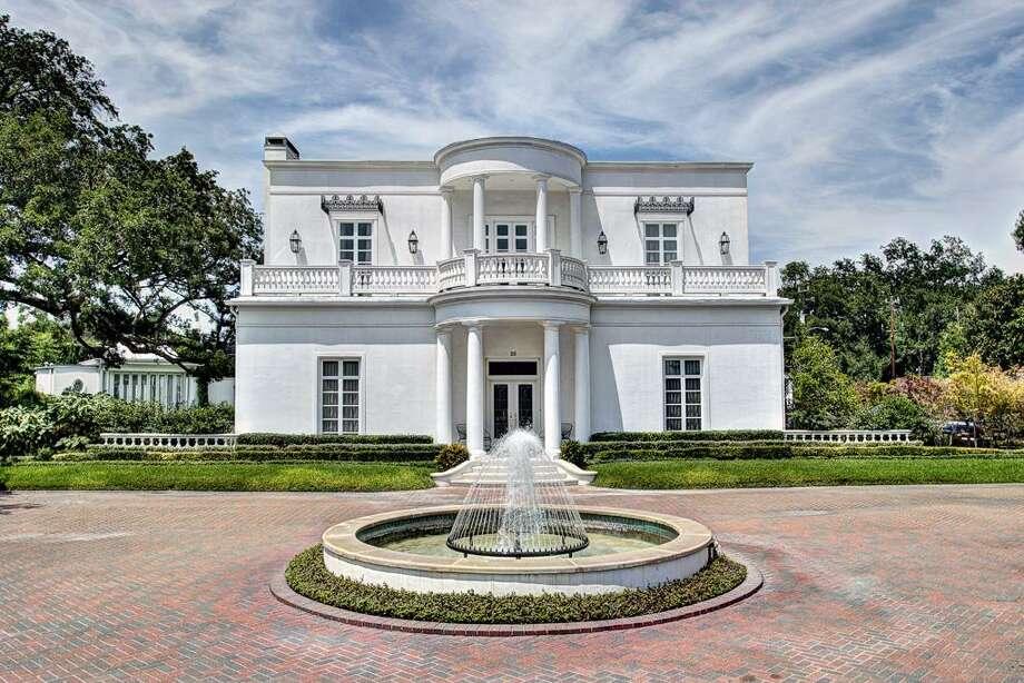 20 Sunset Boulevard | Greenwood King Properties | Agent: Pama Abercrombie | 713-914-8732 | Photo: GWK