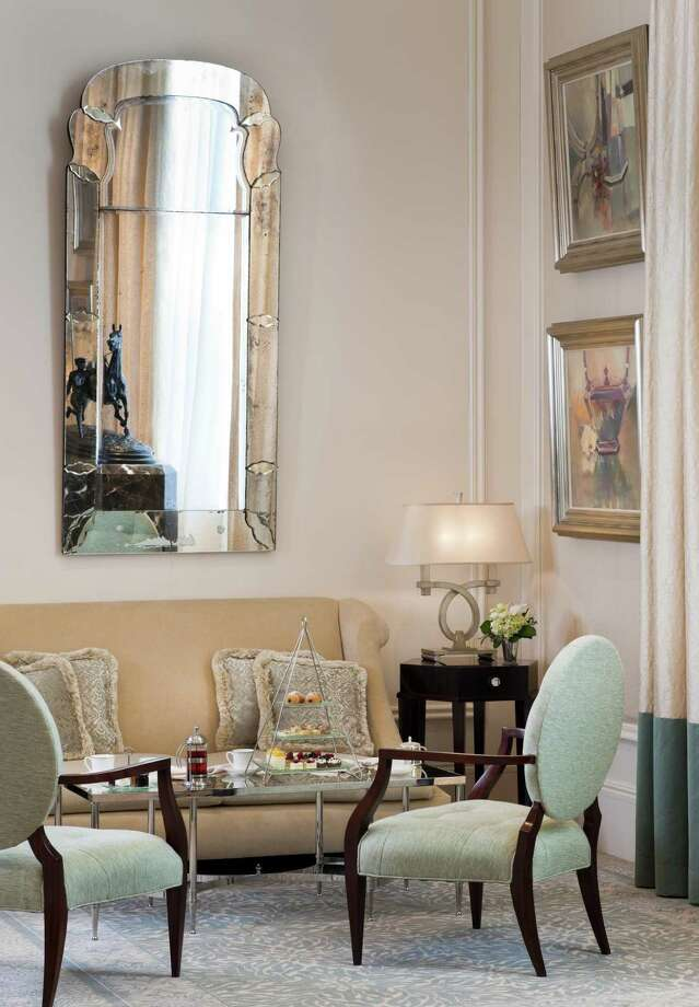 TEA TIME: The Long Gallery at the St. Regis Atlanta includes an elegant seating area. Photo: St. Regis