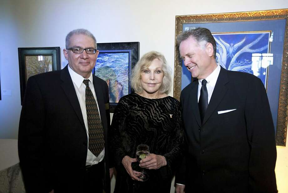 "SFMHS board member Miguel Pendas (left) with Kim Novak and Eddie Muller. June 2012. By Tommy Lau. (Note: PENDAS has an accent over the ""A"") Photo: Tommy Lau, Special To The Chronicle"