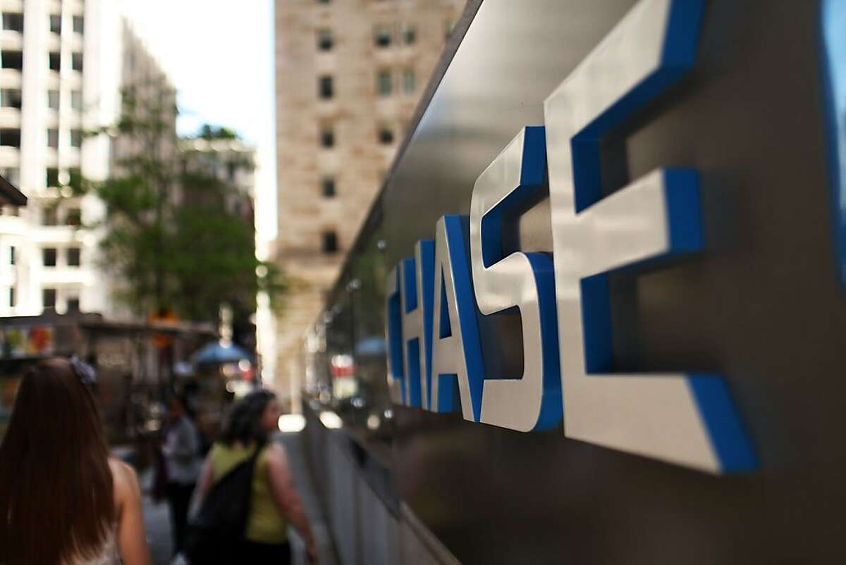 NEW YORK, NY - MAY 11: A Chase sign is viewed at the company's New York headquarters on May 11, 2012 in New York City. In a surprise announcement after the markets closed on Thursday, JPMorgan Chase said that it has suffered trading losses of $2 billion since the start of April. (Photo by Spencer Platt/Getty Images)