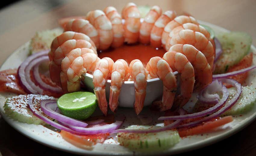 You haven't had shrimp cocktail like this: Camarones al natural.