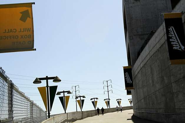 The ramp from BART brings a few fans for the Oakland A's game against the Blue Jays in Oakland, Calif., Wednesday, May 9, 2012. Photo: Sarah Rice, Special To The Chronicle