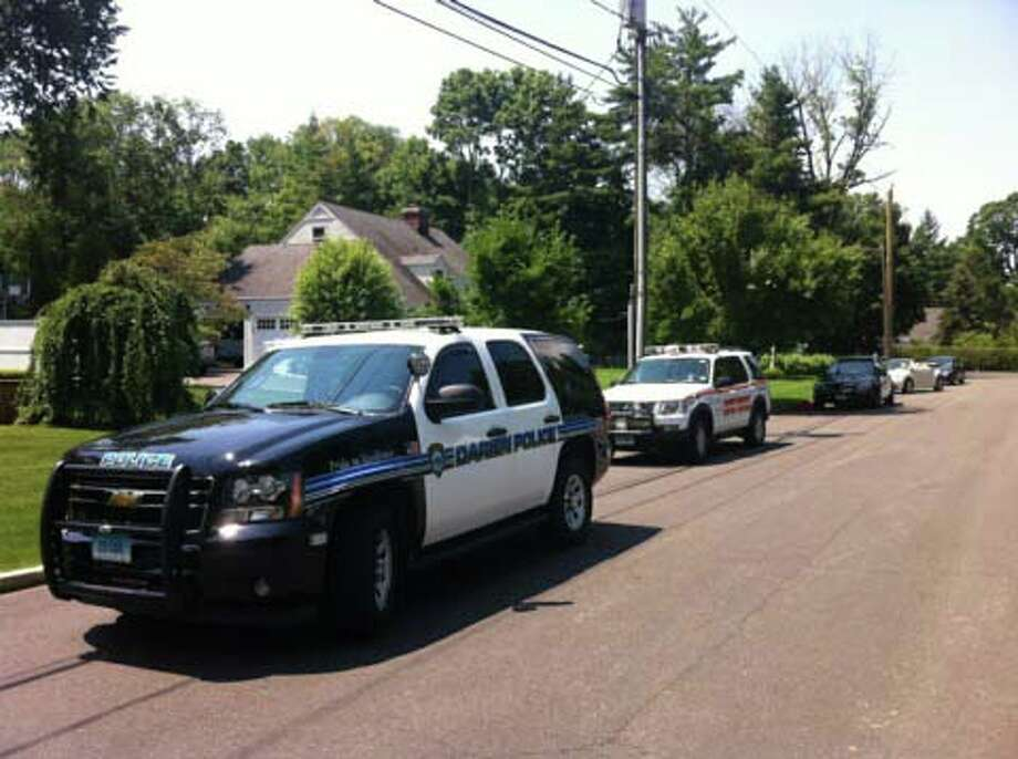 Darien Police responded to Mansfield Place Wednesday morning for a reported drowning. Photo by Thomas Michael, July 4, 2012, Darien, Conn. Photo: Contributed Photo