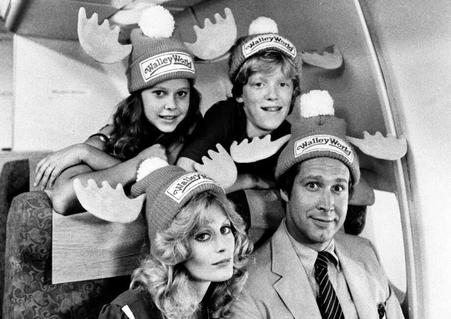 """NATIONAL LAMPOON'S VACATION -- Clark Griswold makes sure his family gets to """"Walley World.""""  BEVERLY D'ANGELO AND CHEVY CHASE (FRONT) PORTRAY MOM AND DAD, WITH DANA BARRON AND ANTHONY MICHAEL HALL AS THEIR KIDS IN """"NATIONAL LAMPOON'S VACATION.""""  (AP PHOTO/WARNER BROS.) / WARNER BROS"""
