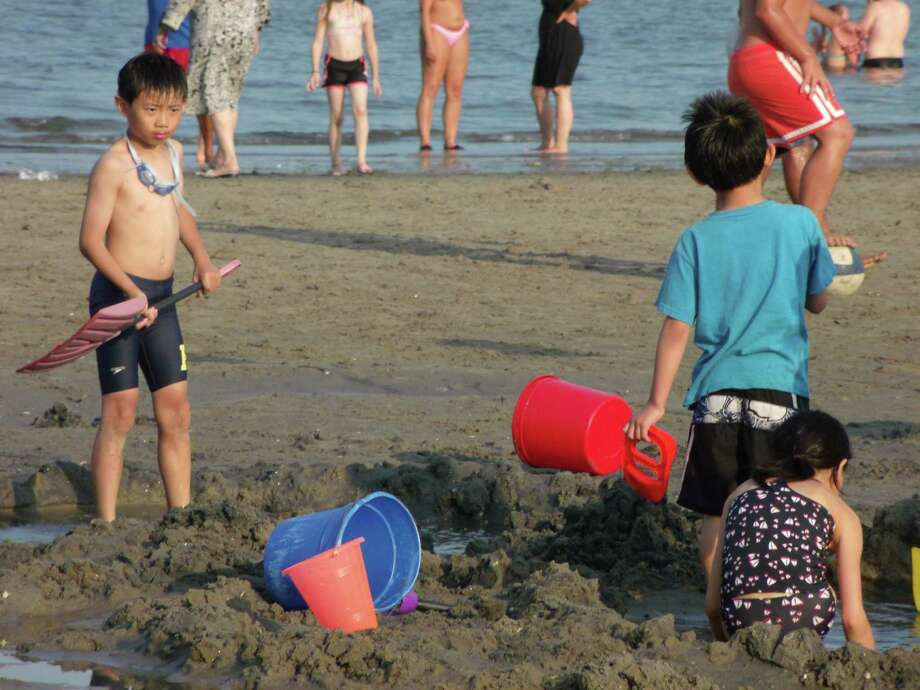 Were you seen at Fairfield's Penfield and Jenning's beaches on the 4th of July, 2012? Photo: Todd Tracy / Connecticut Post