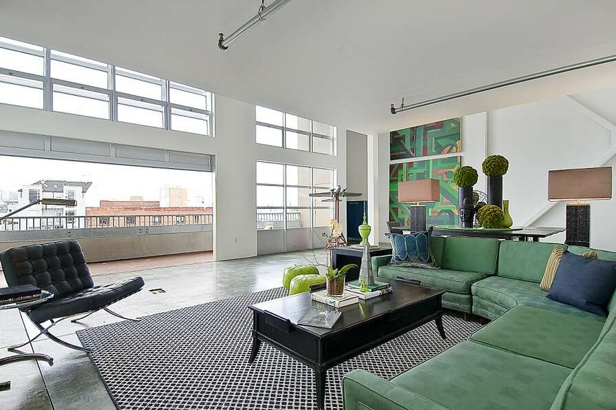 This Manhattan-style penthouse condominium is one of three units in a South of Market boutique build