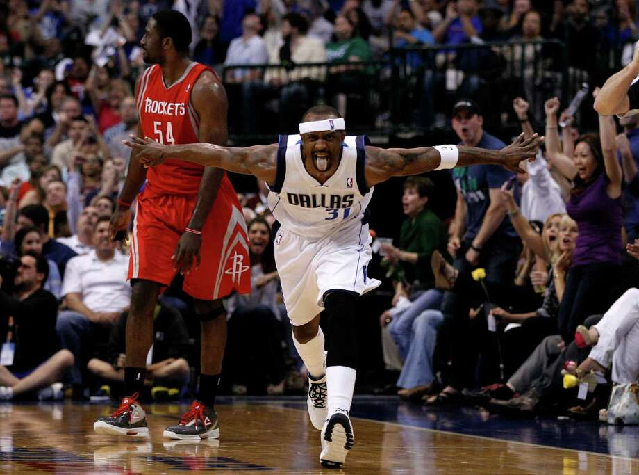 The Celtics offered guard Jason Terry $15 million over three years to provide depth for an aging team. Photo: Tony Gutierrez / AP