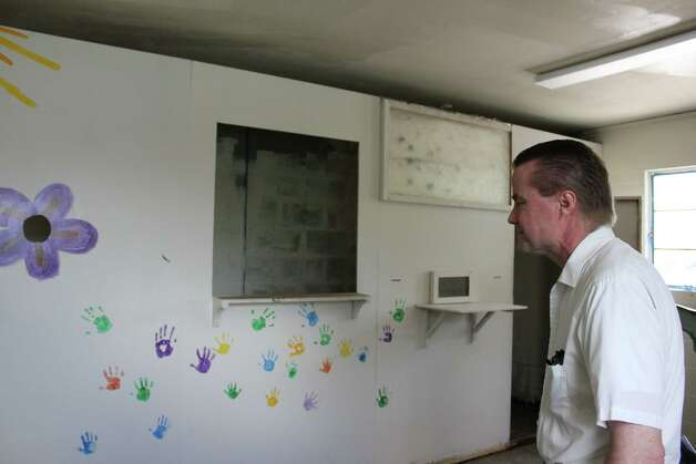 James Parsons, chief executive officer of JOVEN, shows off one the classrooms at the new facility at 507 E. Mayfield St. Photo: Noi Mahoney/ Southside Reporter