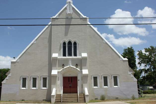 JOVEN Inc.'s new facility is located at the former Harlandale Church of Christ at 507 E. Mayfield. Photo: Noi Mahoney/ Southside Reporter