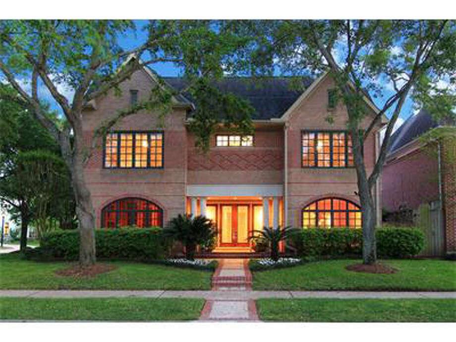 2703 Barbara Lane http://realestate.chron.com/sales/detail/185-l-2757-89954398/2703-barbara-lane-houston-tx-77005 Photo: Chron.com/homes