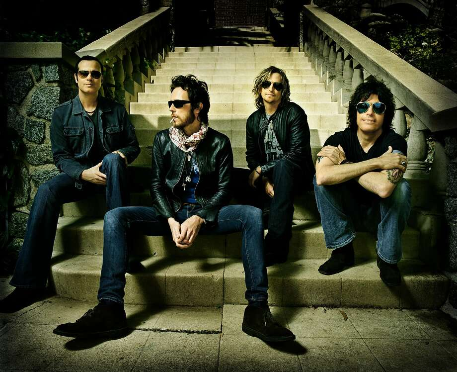 Scott Weiland, second from left, with the reunited Stone Temple Pilots. Photo: Wea