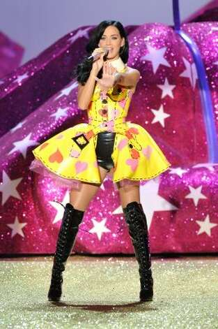 Performing at the 2010 Victoria's Secret Fashion Show in New York City. (Theo Wargo / Getty Images)