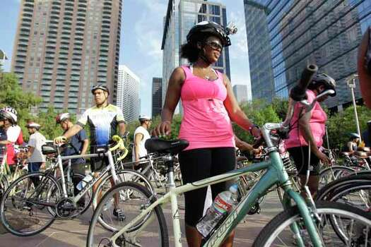 Mitzi Henderson of Houston participates in the NAACP National Convention Bike Ride. Photo: Melissa Phillip, . / © 2012 Houston Chronicle