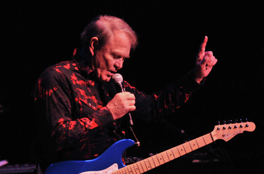 Glen Campbell performs at the Majestic Theatre Saturday night as part of his farewell tour. Last year Campbell was diagnosed with Alzheimers disease. Photo: Robin Jerstad / For The Express-News / Robert Jerstad   !    !RPO-=