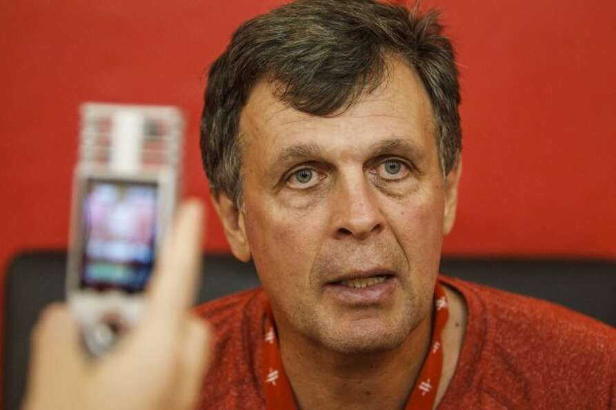 Kevin McHale responds to questions. (Michael Paulsen / © 2012 Houston Chronicle)
