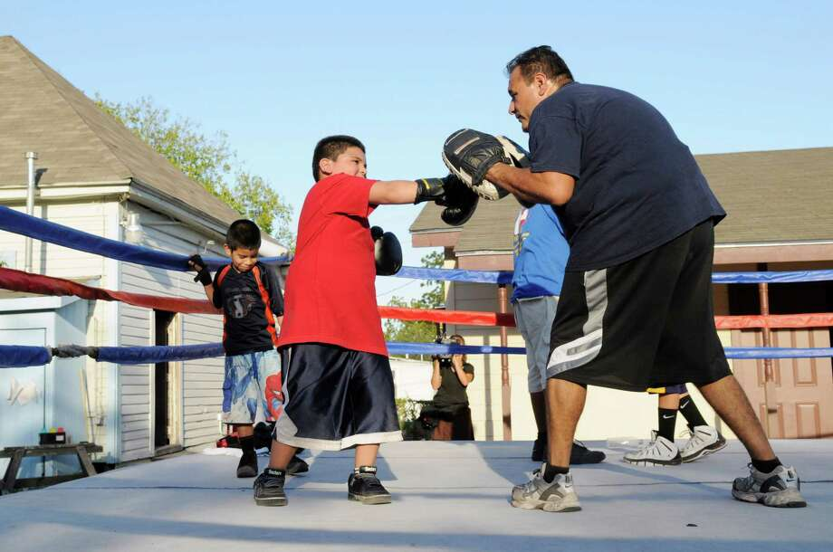 "Jason Mata and his San Antonio youth program, the Advocates — which teaches needy kids boxing, keeps them out of trouble and helps boost their self-esteem — was featured on ABC's ""Secret Millionaire."" Photo: Bill Records, ABC / © 2012 American Broadcasting Companies, Inc. All rights reserved."