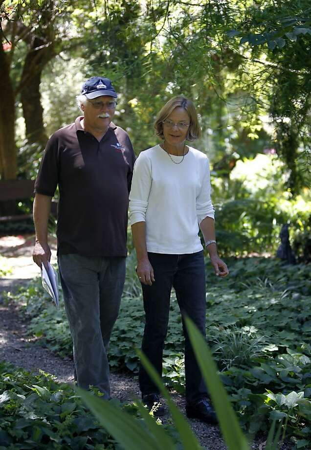 Over The Garden Walk: Western Hills Garden Turns Over A New Leaf