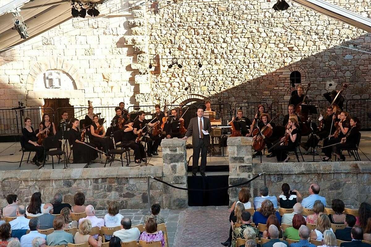 Charles Letourneau introducing a Festival del Sole concert at Castello di Amorosa
