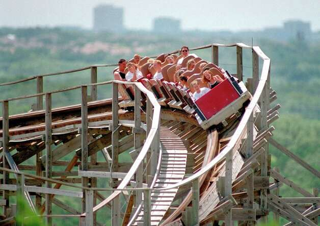 A reader who used to ride on the Rattler says he has fond memories of the retiring roller coaster. Photo: Express-News File Photo / EN