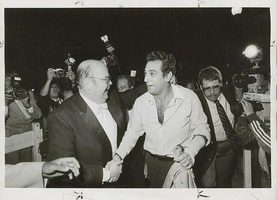 wayback07_2774.jpg  San Francisco Opera General Manager Terence McEwen (left) greets Placido Domingo in September 1983, after the singer flew in to replace a tenor who had lost his voice.  Chris Stewart / 1983 Photo: Chris Stewart, 1983, The Chronicle
