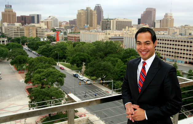 Mayor Julian Castro in downtown San Antonio Thursday June 17, 2010. The view is from the fifth floor of the Grand Hyatt Hotel. JOHN DAVENPORT/jdavenport@express-news.net Photo: JOHN DAVENPORT, SAN ANTONIO EXPRESS-NEWS / jdavenport@express-news.net