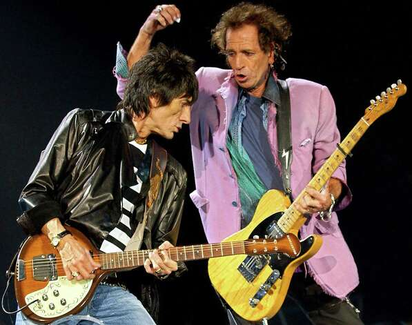 Ich ben ein Stone. Keith Richards and Ron Wood, perform in June 2003 in Munich, Germany.     AFP PHOTO DDP/JOERG KOCH  Photo: JOERG KOCH, Getty / 2003 AFP