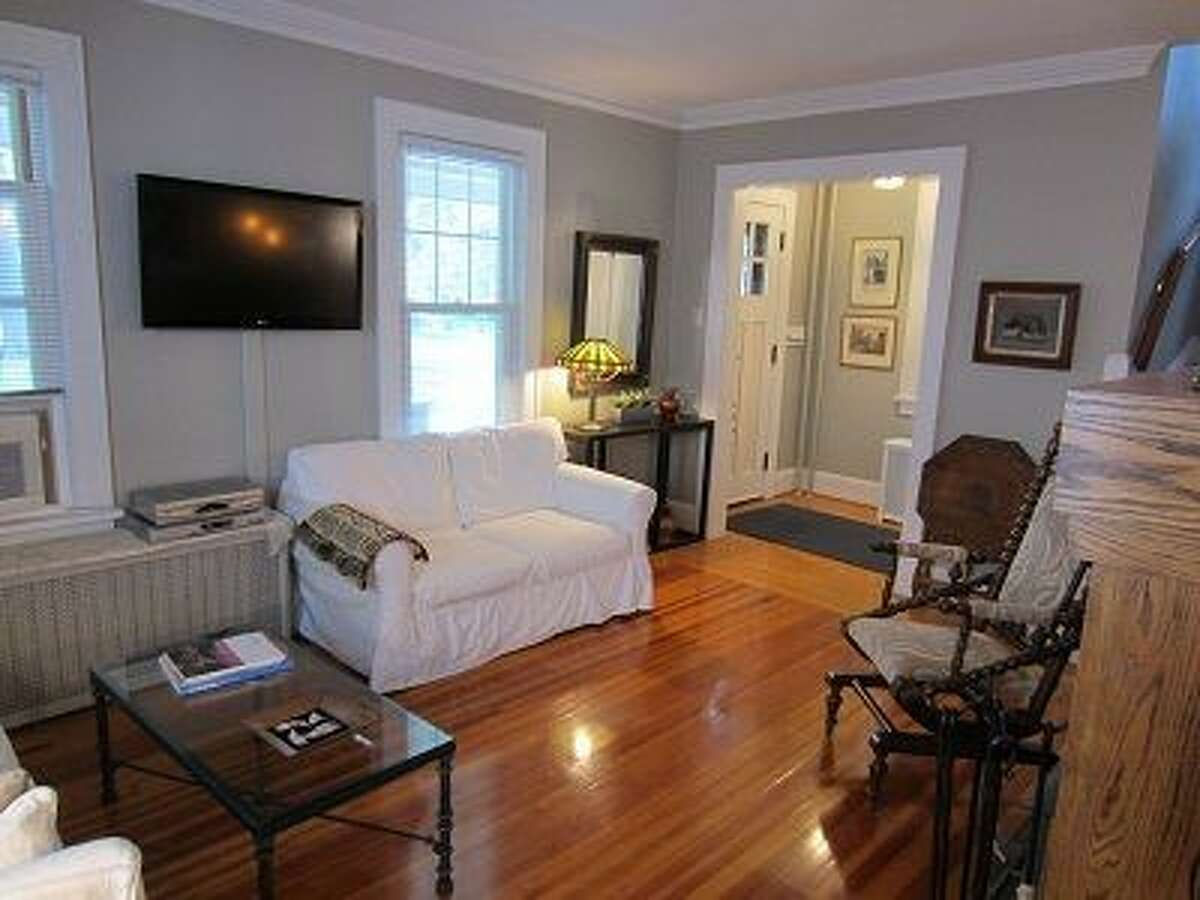 House of the Week: 8 Norwood Ave., Albany | Realtor: Julia Rosen at Prudential Manor Homes | Discuss: Talk about this house