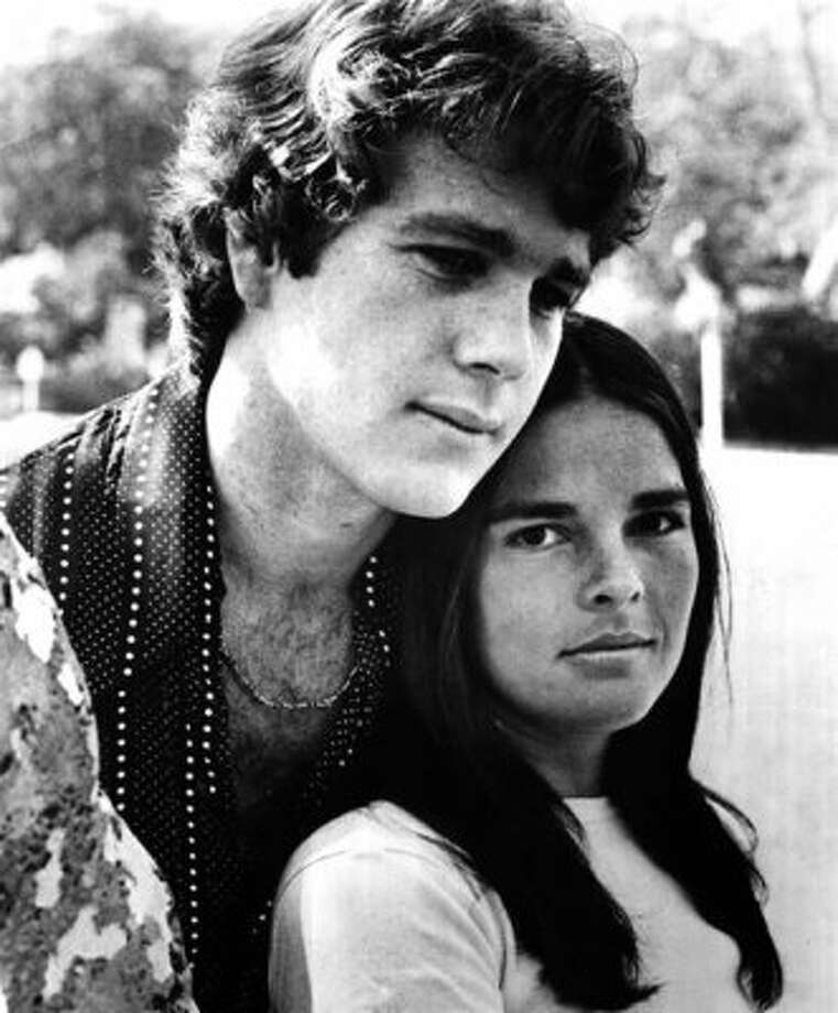 Ryan O'Neal and Ali MacGraw in LOVE STORY.