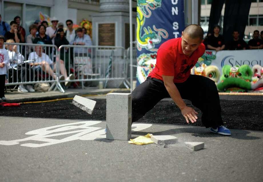 A member of the Mak Fai Washington Kung Fu Club performs. Photo: Sofia Jaramillo / SEATTLEPI.COM