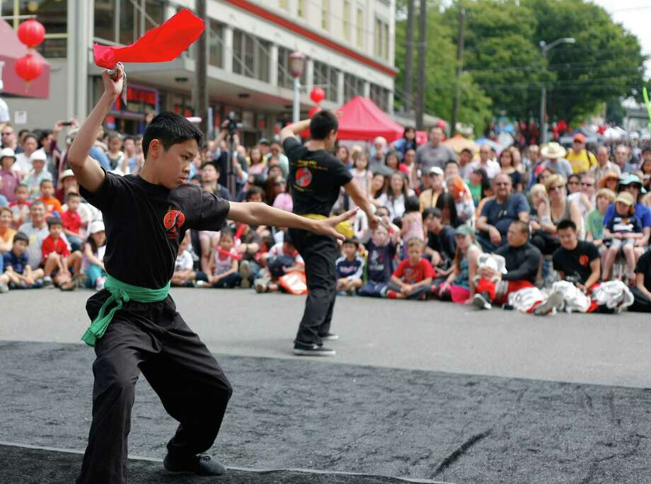 Members of the Mak Fai Washington Kung Fu Club perform. Photo: Sofia Jaramillo / SEATTLEPI.COM
