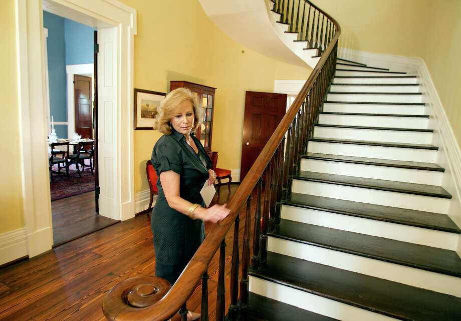 18 JULY 2012:  First Lady, Anita Perry gives a tour of the Texas Governor's Mansion in Austin, Texas, on Wednesday, July 18, 2012.   The Governor's Mansion reopened after renovations and repairs following a fire five years ago.  Rodolfo Gonzalez/American-Statesman/POOL Photo: RODOLFO GONZALEZ, AUSTIN AMERICAN-STATESMAN / AUSTIN AMERICAN-STATESMAN