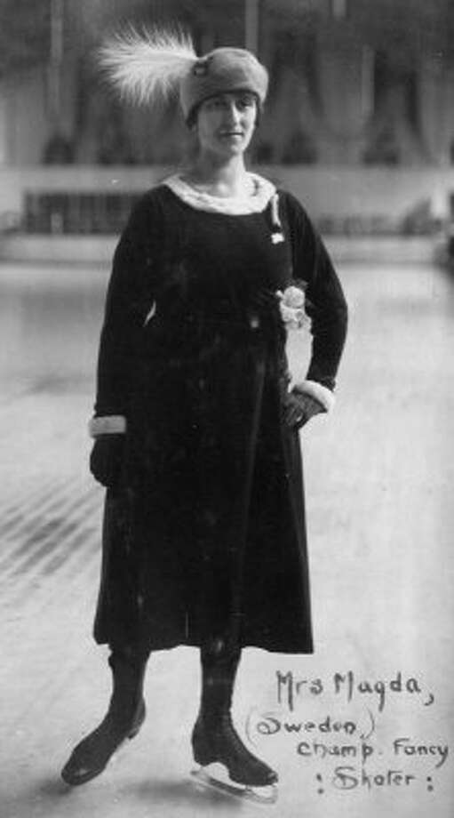 Nearly 100 years ago Swedish figure skater Magda Julin won a gold medal in the 1920 Olympics. She was three months pregnant. (The Winnipeg Falcons)