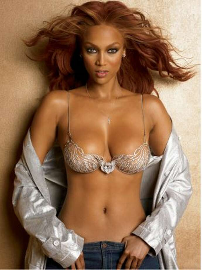 Tyra Banks was a famous Victoria's Secret model before she began acting. (Photo: Banks models a Victoria's Secret bra with a 70-carat diamond in the center).