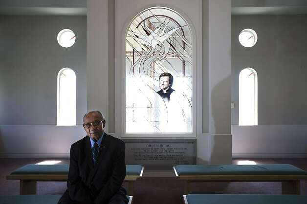 Rev. Wortham Fears served in the Marines in World War II. Photo: Sonja Och, The Chronicle
