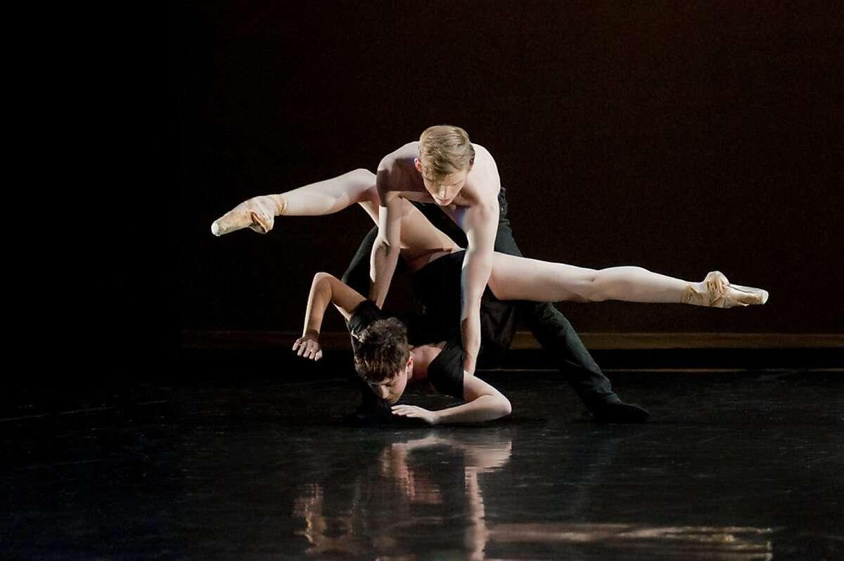 Post:Ballet dance artists Christian Squires and Raychel Weiner in Robert Dekkers' world premiere, When in Doubt.