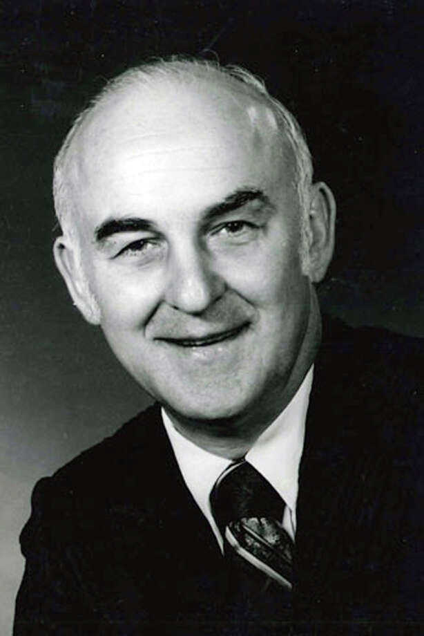 Earl R. Truax Jr., who died July 14 at 88, was a career newspaper executive who promoted the printed word. He built the promotion department at the St. Paul Dispatch and Pioneer Press, was recruited by the Miami Herald to build its promotion department, and then finished his career at the San Antonio Light. Before heading to the Alamo City, he did a stint with the Miami Dolphins, again in the promotion department. Truax was also an accomplished barbershop quarter singer. Photo: Courtesy
