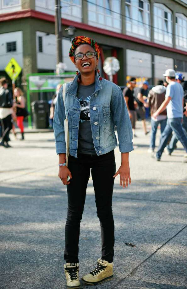 Yayi Kassamali sports a jean jacket and Nike sneakers. Photo: Sofia Jaramillo / SEATTLEPI.COM