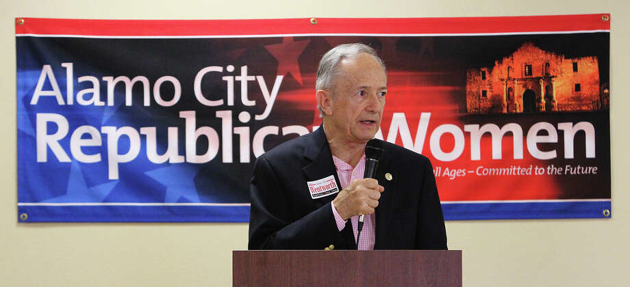 Texas Senator Jeff Wentworth addresses an audience at the Alamo City Republican Women luncheon on Saturday, July 21, 2012. Wentworth is in a run-off in the state senate race against Dr. Donna Campbell. Photo: Kin Man Hui, SAN ANTONIO EXPRESS-NEWS / ©2012 San Antonio Express-News