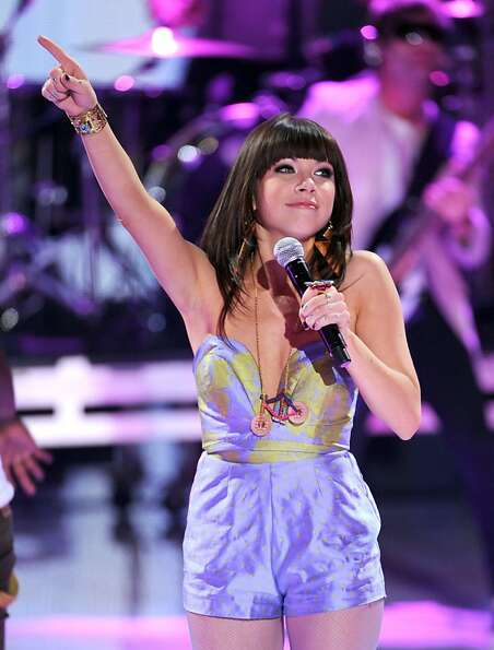 UNIVERSAL CITY, CA - JULY 22:  Singer Carly Rae Jepsen performs onstage during the 2012 Teen Choice
