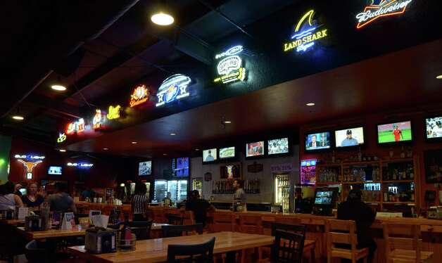 Sideliner's has become one of San Antonio's premire hot spots for sports and drinks, offering orgainized sand volleyball and soccer as well as a family friendly atmopshere with a prided menu of eats and drinks and an indoor and outdoor bar. Robin Johnson Photo: Robin Johnson