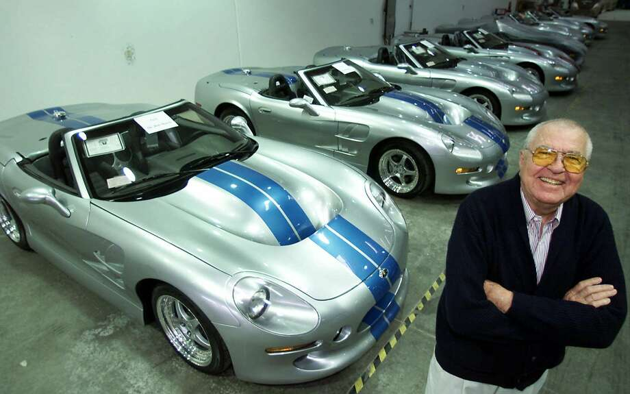 The legendary auto designer Carroll Shelby's family has resolved a dispute over how to bury him. Photo: K.M. CANNON / AP