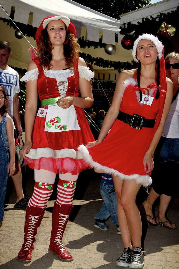 Chucks with a Santa dress? Why not? Photo: FRANDSEN FINN, Associated Press / POLFOTO
