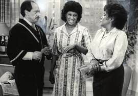 THIS IS A HANDOUT IMAGE. PLEASE VERIFY RIGHTS. LEARD-B-04OCT02-MN-HO THE JEFFERSONS GEORGE (SHERMAN HEMSLEY), FLORENCE (MARLA GIBBS, CENTER) AND LOUISE (ISABEL SANFORD)--- Sent 07/24/12 16:37:03 as LEARD-B-04OCT02-MN-HO with caption: