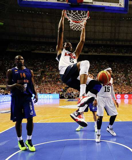 Kevin Durant provided 13 points for the U.S., including 10 in the first 3 1/2 minutes of the second half. Photo: David Ramos, Getty Images / 2012 Getty Images