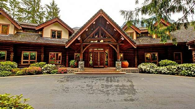 Front of a Snoqualmie home set for sale at auction on Aug. 9. Photo: J. P. King Auction Co.
