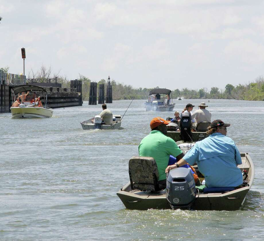 Knowing boating rules and basic boat handling, covered in Texas' boater education course, is crucial to safe operation in the crowded conditions often found on Texas' inland waters. Photo: Picasa