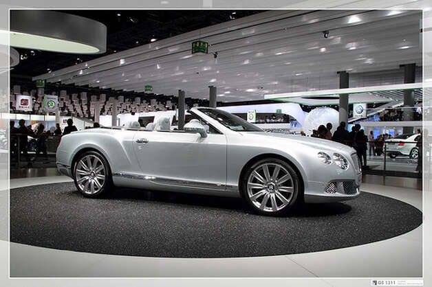 Bentley Continental GTC: 11 city, 19 highway, 14 combined. To drive 25 miles, it would cost $6.28.(Photo: Georg Schwalbach, Flickr)