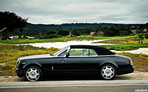 Rolls-Royce Phantom Drophead coupe: 11 city, 18 highway, 14 combined. To drive 25 miles, it would cost $6.28.(Photo: DryHeatPanzer, Flickr)